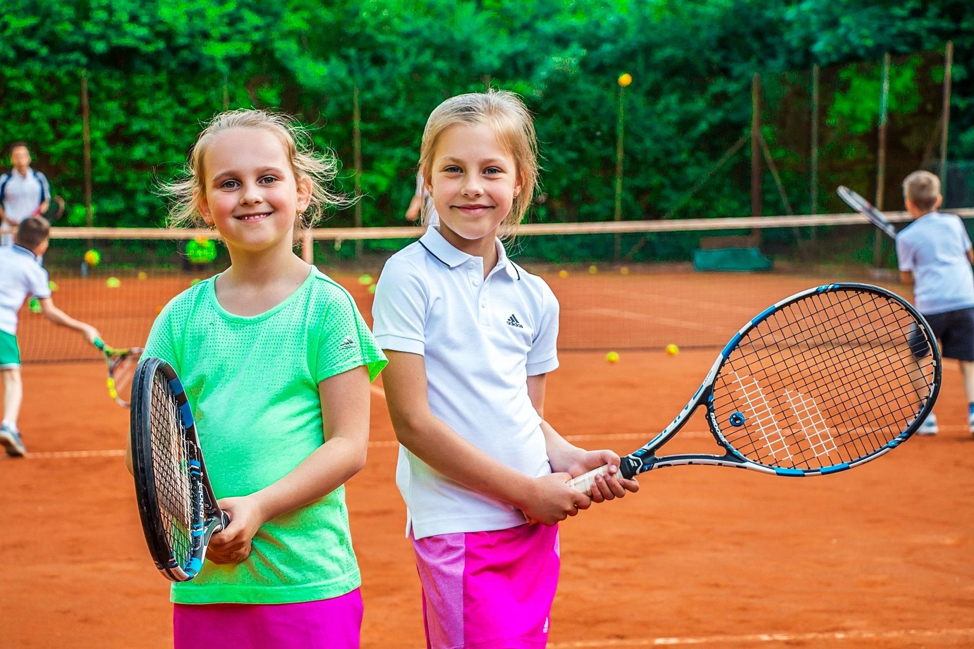 Большой теннис детям фото